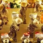 Чтобы делать золото, надо иметь золото... Москва. Ветошный. За ГУМом. 16.01.2013. Автор фото - А.Г.Огнивцев