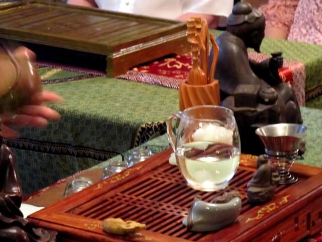 Инновационная практика здоровья. Чайная церемония. Московская школа гипноза. Гипноз и чай. Автор фото председатель НСНБР А.Г.Огнивцев. IMG_5154
