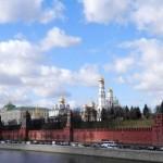 Mcrsi.ru: Москва. Весна. Фото дня. Пара уток у Кремля. 2014. Март. Автор фото председатель НСНБР А.Г.Огнивцев.