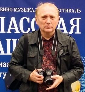 Комендант Кремля и кадеты. Спасская башня-2016. На фото автор фотоальбома председатель НСНБР А.Г.Огнивцев. 04082016_27
