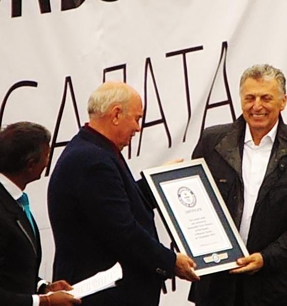 Guinness World Records. 20 т греческого салата. Красная площадь. Автор фото председатель НСНБР А.Г.Огнивцев. 04092016_44_1