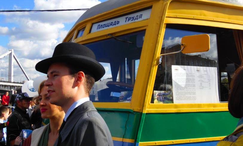 Mcrsi.ru: Троллейбус. Новая модель 2016. Парад. Мосгортранс Москва. Автор фото председатель НСНБР А.Г.Огнивцев. 12112016-6